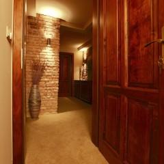 Penzión – chodba / Family hotel – corridor